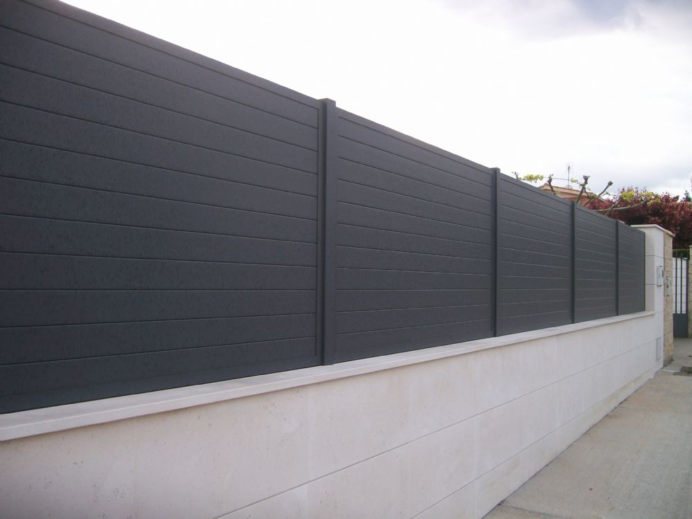 Cancelas y vallas de aluminio for Vallas de aluminio para jardin